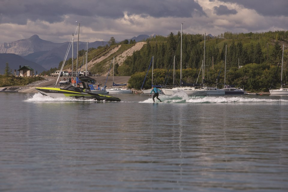 Its location next to Ghost Lake offers CottageClub residents the opportunity to enjoy a variety of water sports.