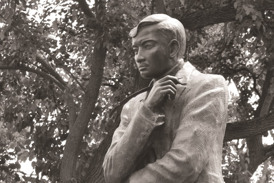 A statue of Filipino hero Dr. Jose Rizal. The Philippine Consulate General in Calgary is offering to donate a bust of the national icon to the City of Airdrie. The monument would be located in Nose Creek Regional Park. Photo by Jim Stapleton/Unsplash.