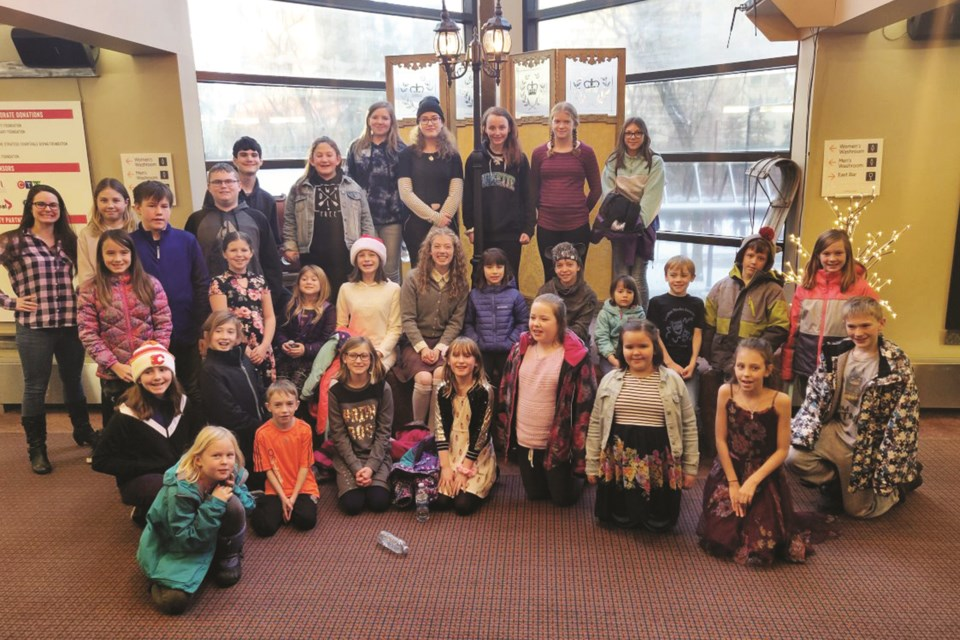 The Langdon Theatre Association, which formed in 2002, provides lessons in drama and theatre for youth from the hamlet and area.