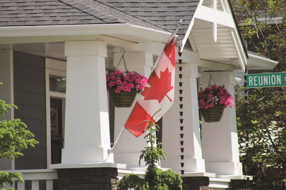 STANDALONE-CanadaDayHouses2