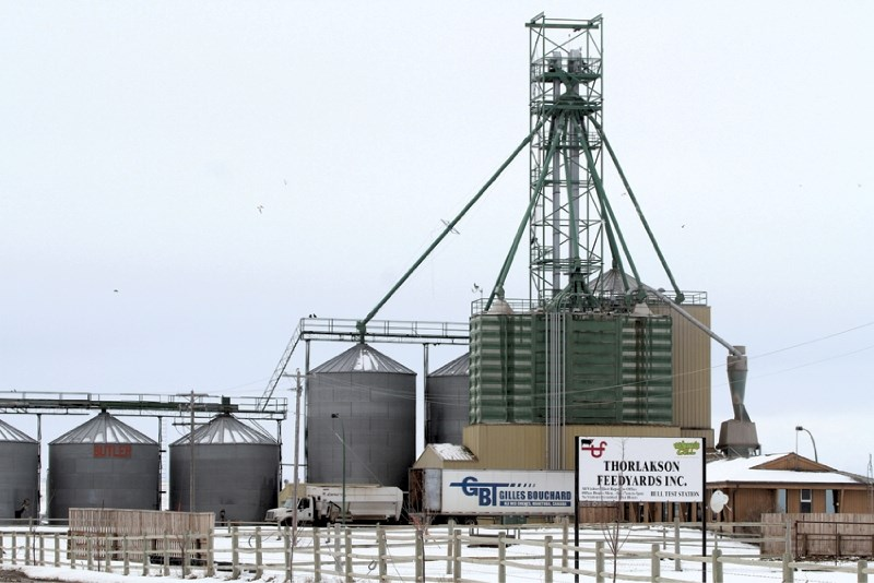 A local resident is raising concern about a large-scale feedlot operation, located northeast of Airdrie.