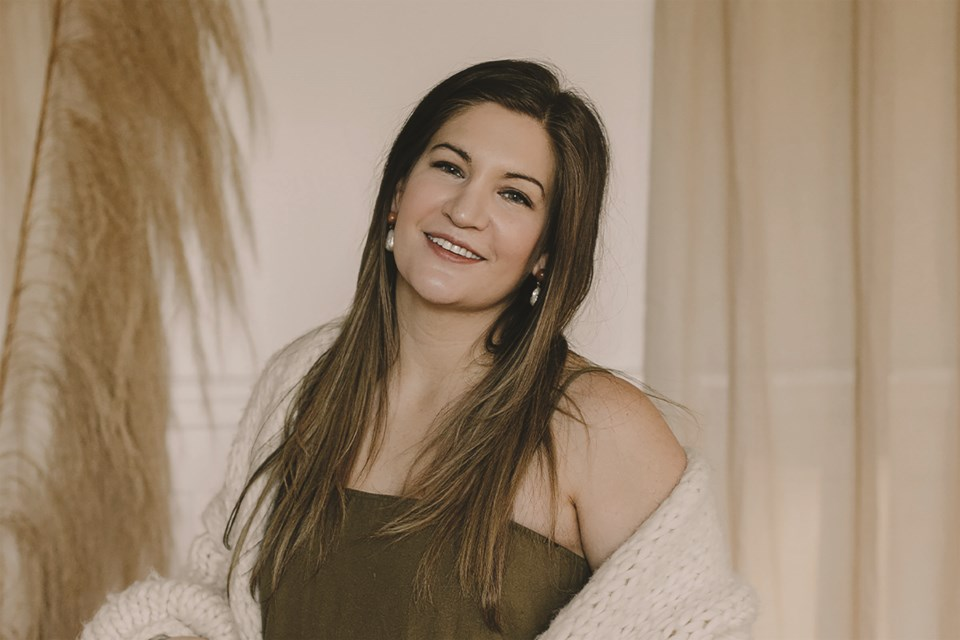 Airdrie native Avalon Lukacs has advanced to the final 25 contestants in the RevolutionHER Momentum Award for Small Business, for her holistic wellness company AURA Inner Beauty.