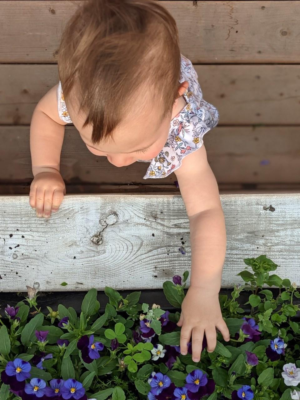 MomLife-Gardening-AMCullen
