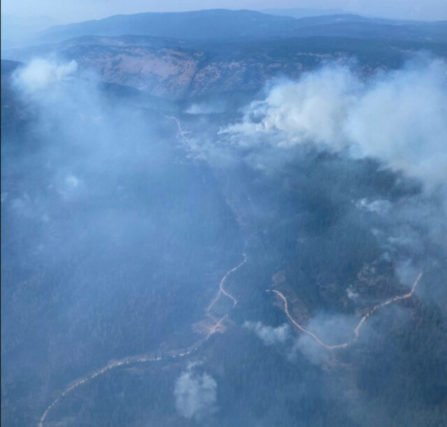 Nk'MipCreek-wildfire-retardantlines