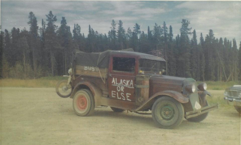 AlaskaHighwayDerelict-2-LarryEvans