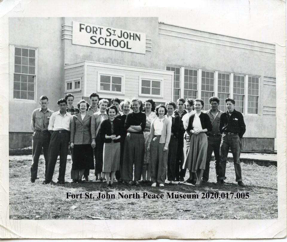 FSJ-School-1949-50-NorthPeaceMuseumArchives2020.017.005