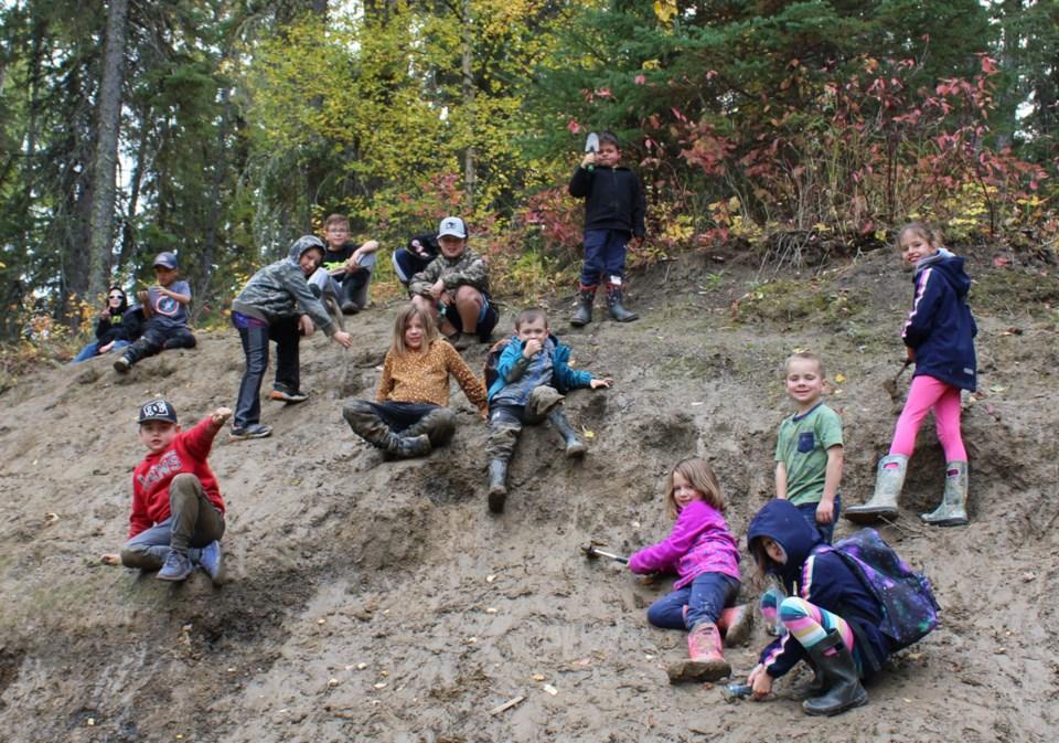 wildlings-digging-diamonds