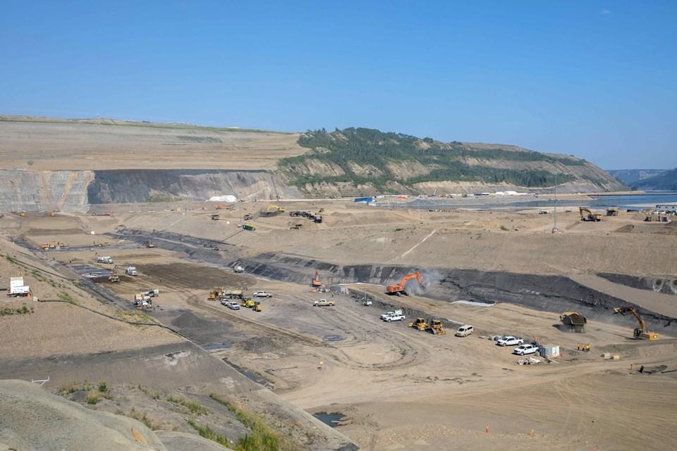 SiteC-dam-core-trench-Aug2021-2