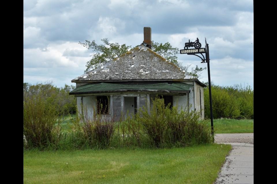 Abandoned home on Oxborough Avenue in Etzikom, Alberta. Photo: Kim Hanson