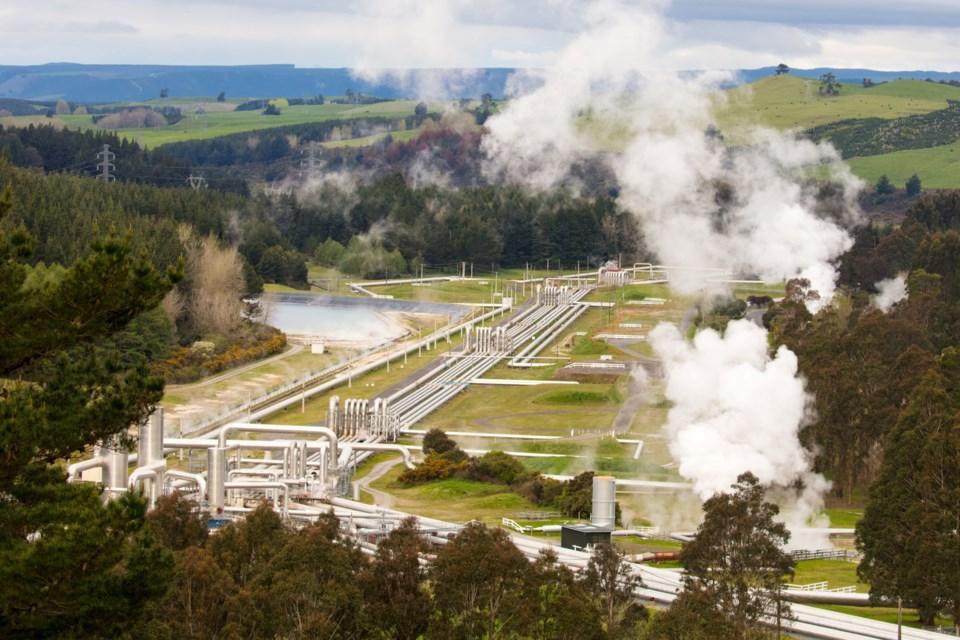 geothermal-power-plant-PRCWYLU