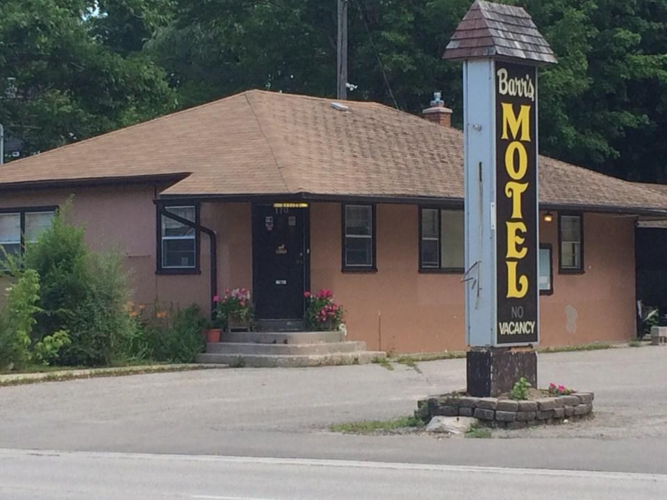 170810-motel-LW