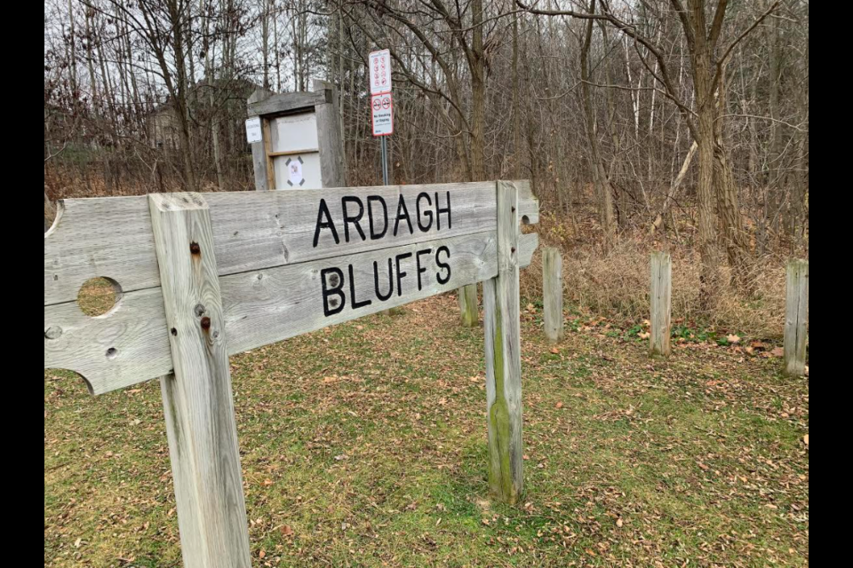 The entrance to Ardagh Bluffs on Ardagh Road in south-end Barrie. Raymond Bowe/BarrieToday