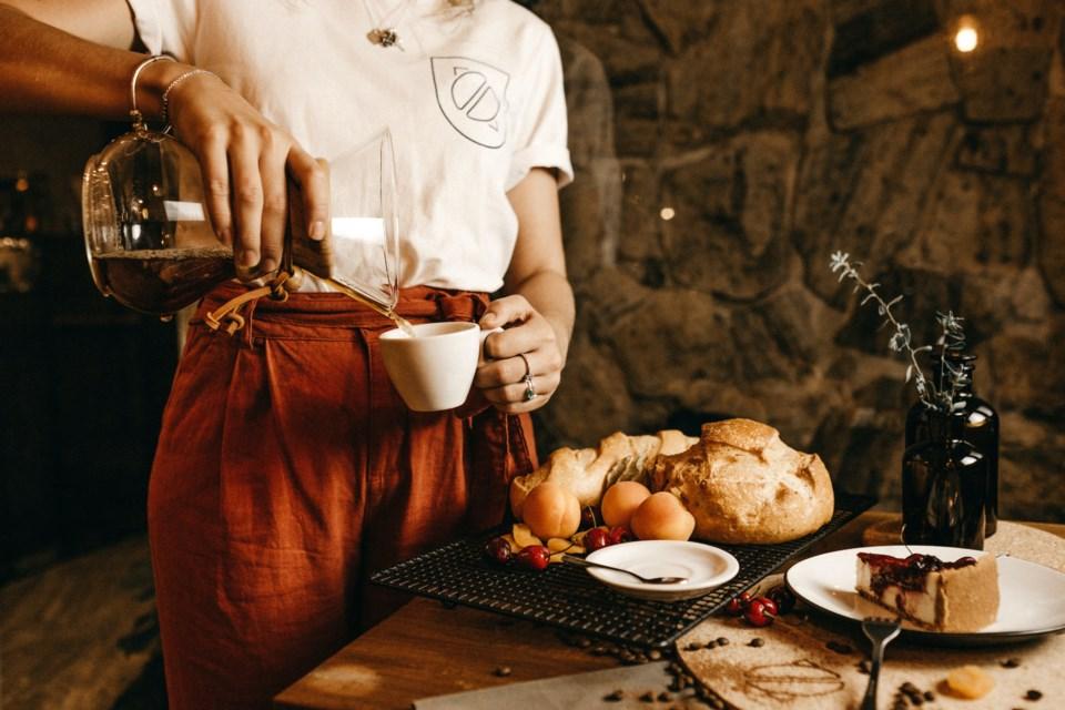 2021-04-07 Waitress