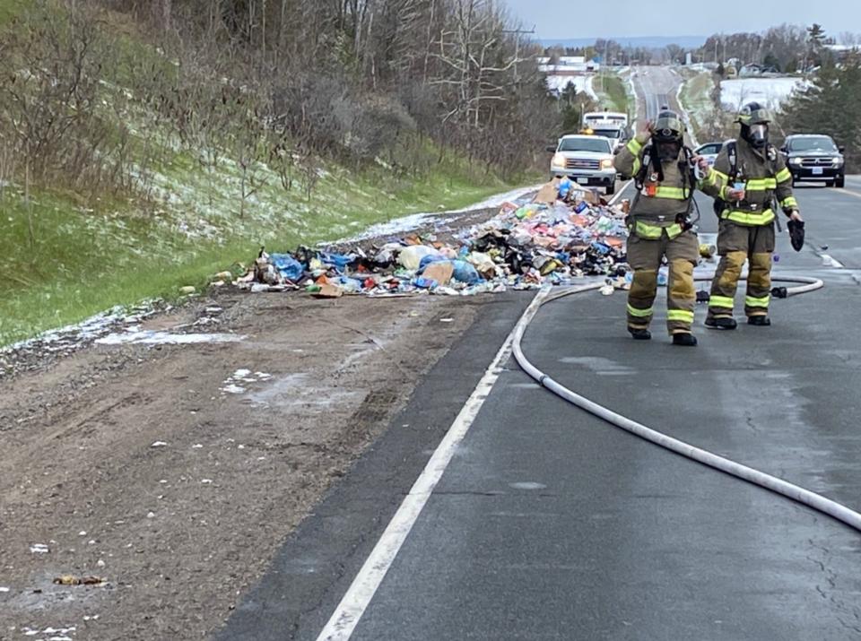 2021-04-22 Innisfil garbage fire