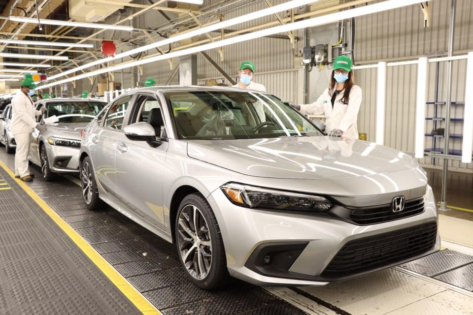 2021-05-04 - 2022 Honda Civic Sedan line off HCM1