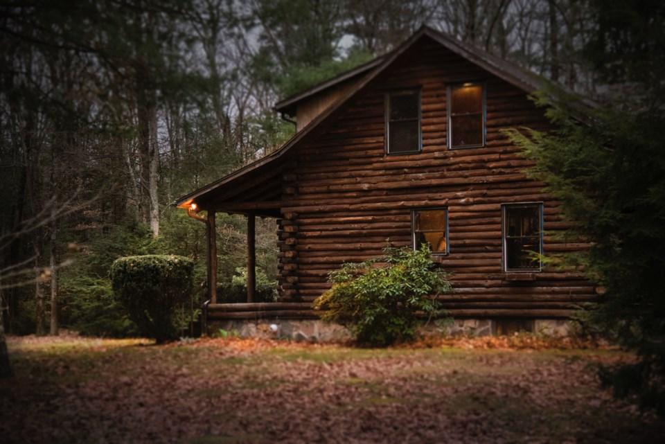 2021-09-22 Cottage cabin