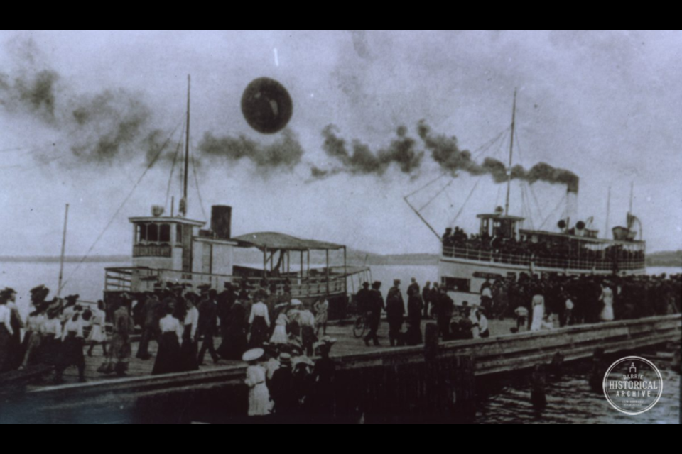 Ferry boats arriving at the Government Dock in Barrie, 1906. Photo courtesy of the Barrie Historical Archive