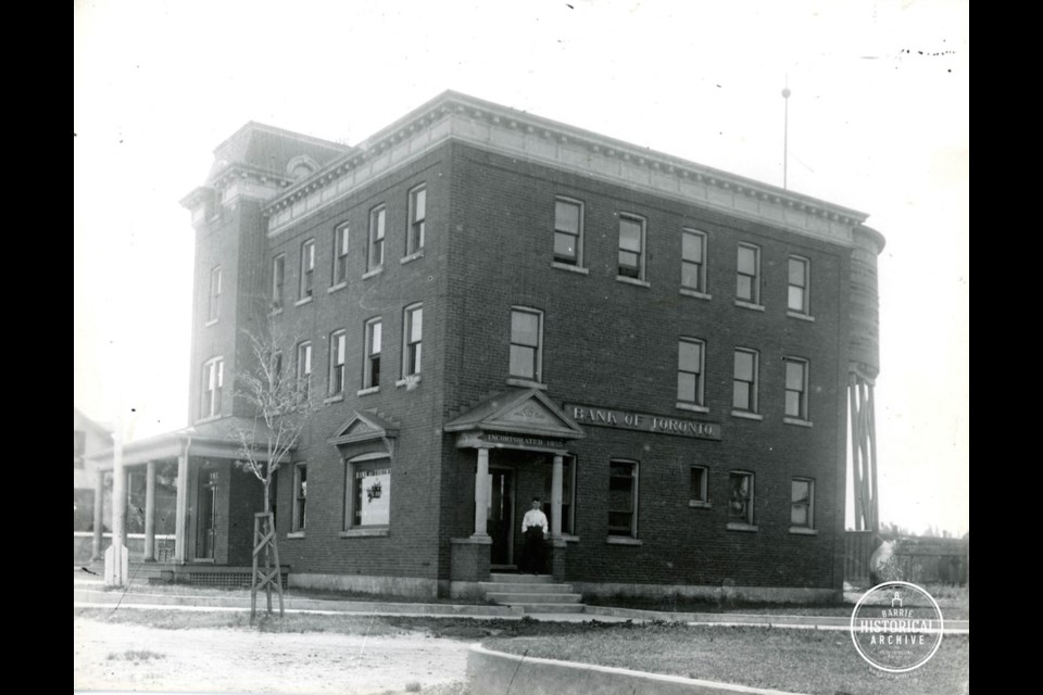 The Bank of Toronto at Tiffin and Bradford Streets in 1913. Photo courtesy of the Barrie Historical Archive