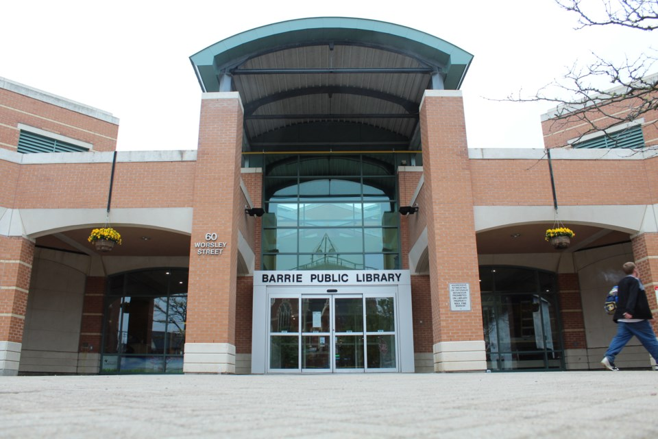 2018-05-22 Barrie downtown library 2 RB