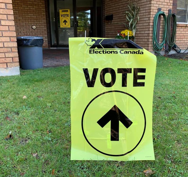 2019-10-21 Polling station RB