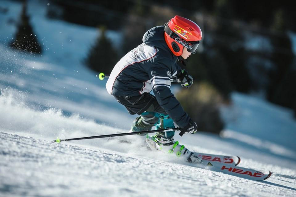 2021-02-26 Skier