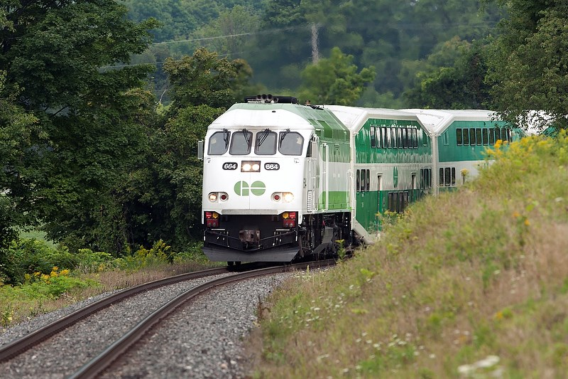 20150829 Barrie GO Train KA 124