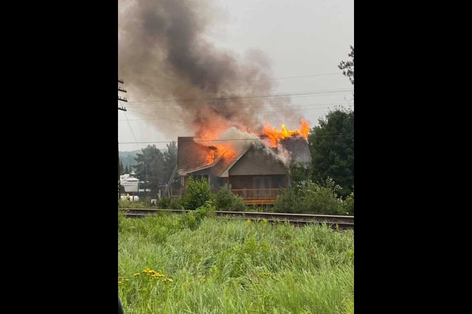 Casey Brooke posted these harrowing photos of the fire last evening on the Facebook group  Nosbonsing News / Photo Casey Broooke