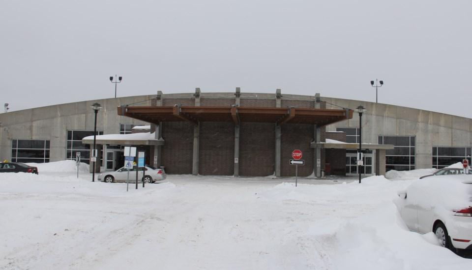 20181129 jack garland airport terminal winter turl