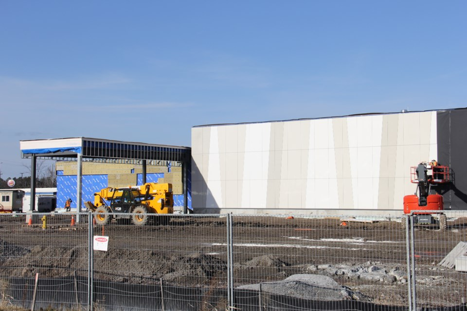 Outside cladding is being added to Cascades Casino for winter protection. Jeff Turl/BayToday.