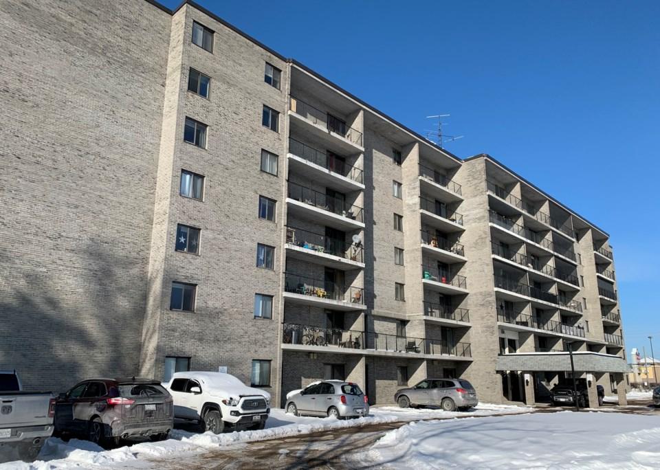 20210211 lancelot apartments 5 winter turl