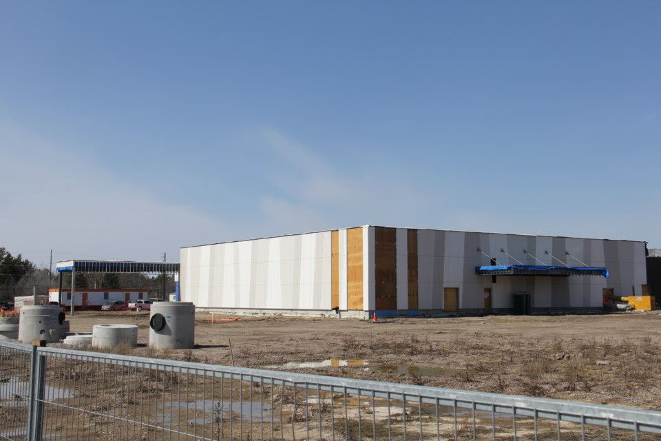 Work on finishing the Cascades Casino on Pinewood Park Drive resumed today. Jeff Turl/BayToday.