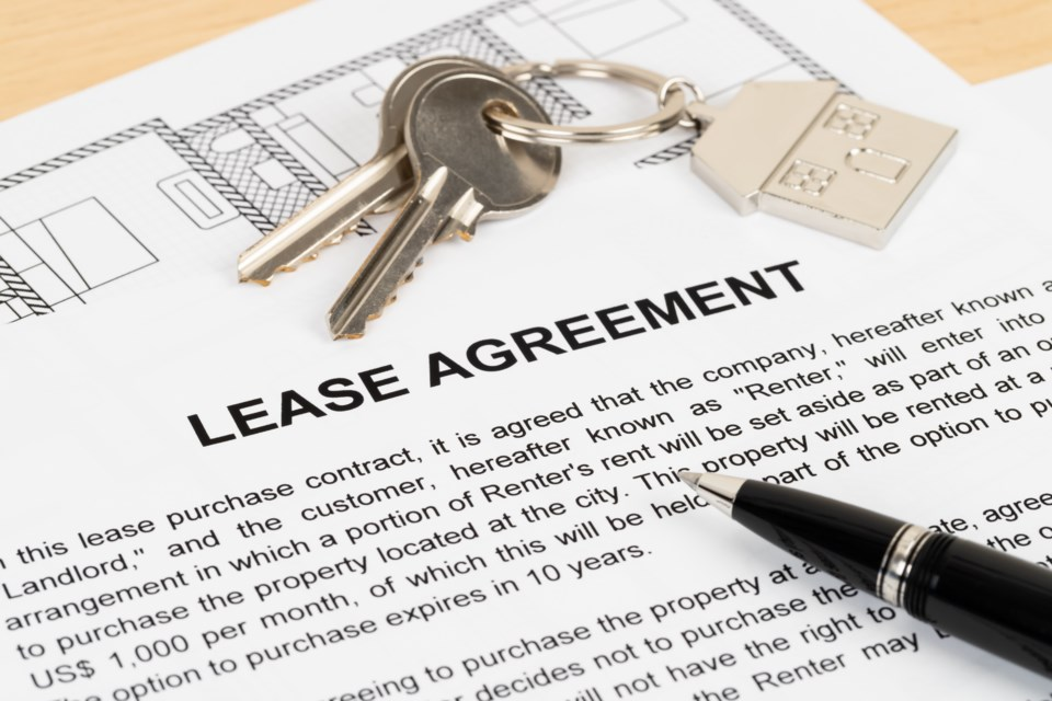 lease rental agreement AdobeStock_232829498
