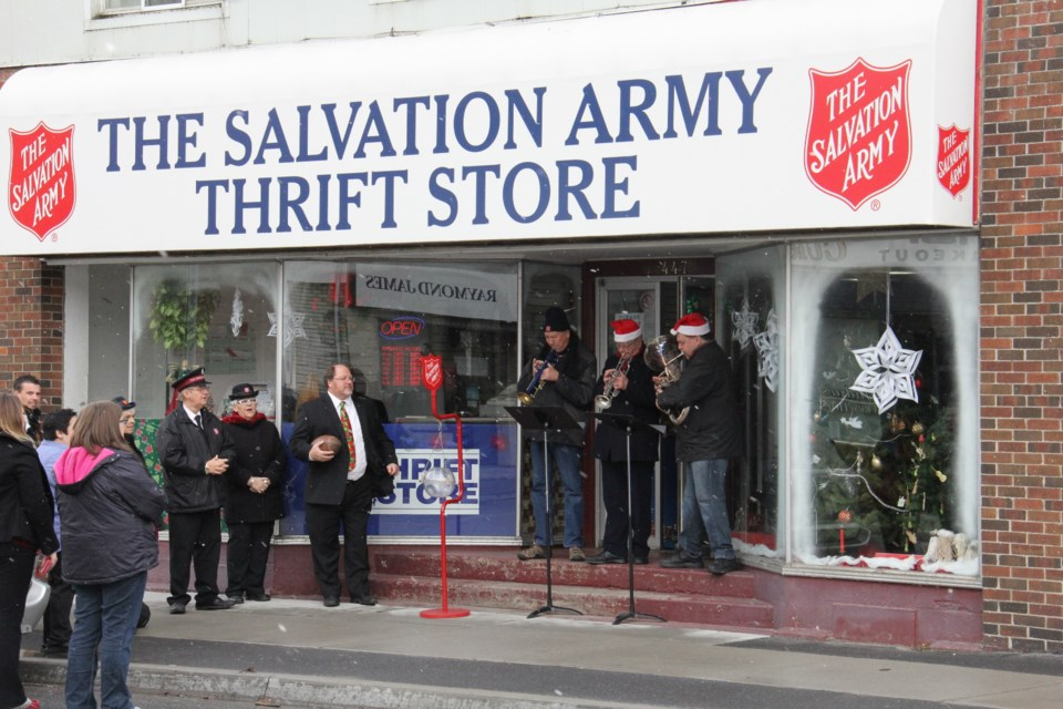 2015 11 20 salvation army thrift store turl