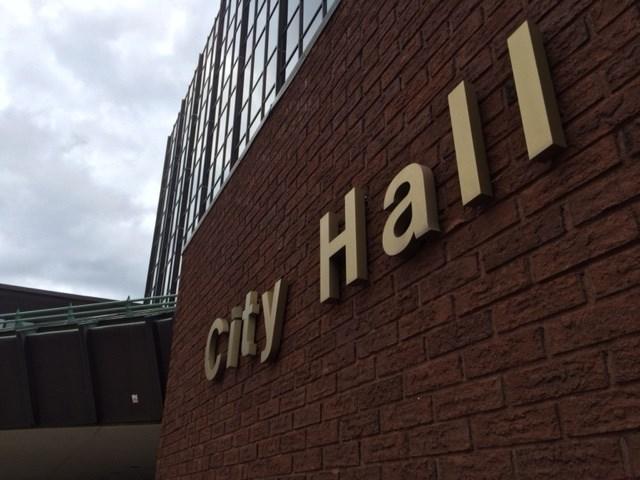 20180724 north bay city hall sign turl