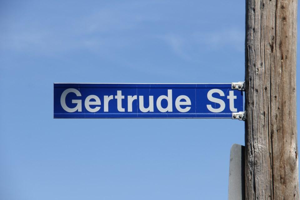 2020 Gertrude st sign turl