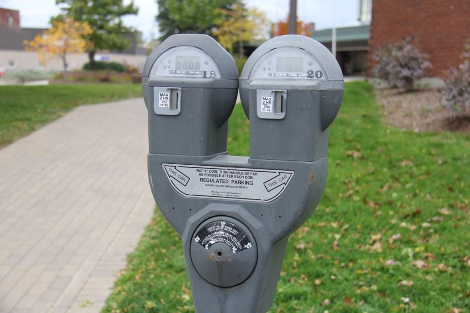 20200529 parking meter city hall