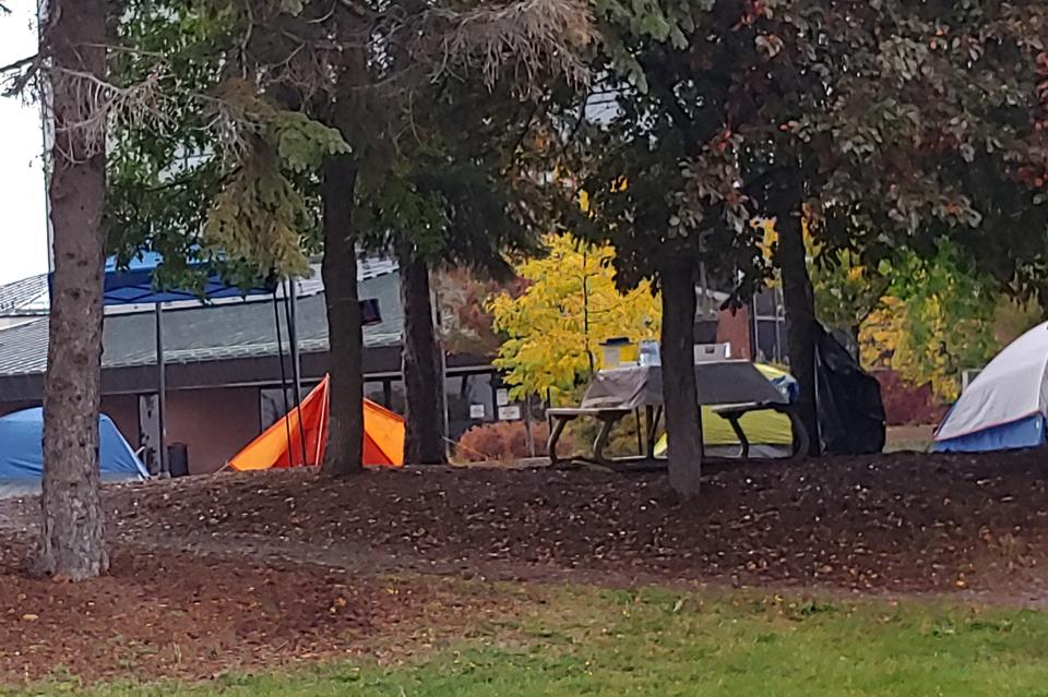 20200929 city hall tent city Stu(1)