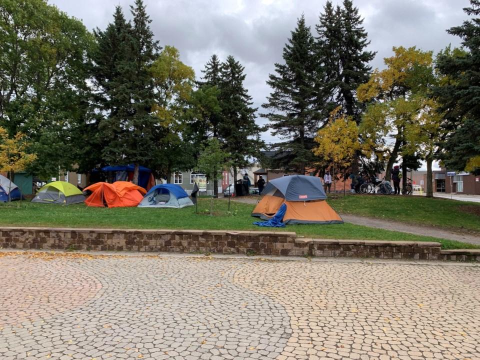 20200929 tent city