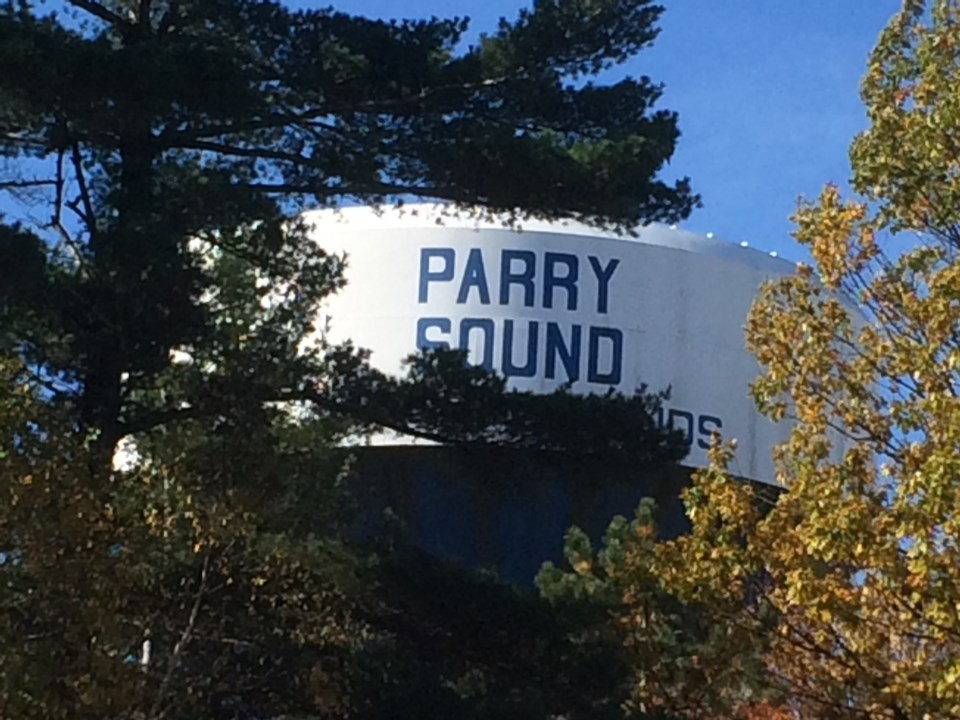 20181009 parry sound water tower turl