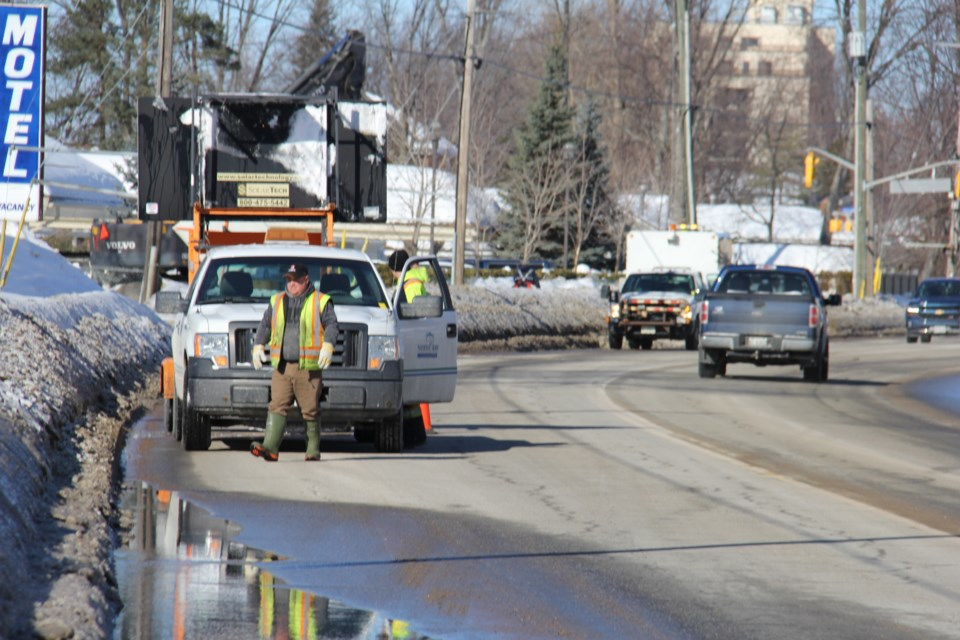 Crews are out today fixing a water main break near Lakeshore and Banner. Jeff Turl/BayToday.