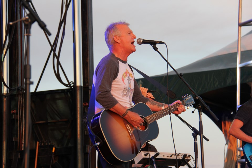 summer in the park frew, alan glass tiger turl 2015