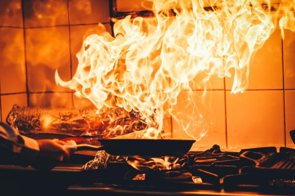 2020 kitchen fire AdobeStock_257413584