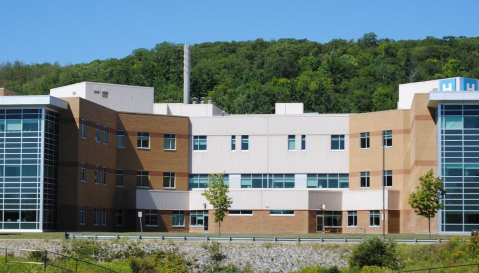 2020 08 15 North Bay Regional Health Centre NBRHC (Gage Campaigne)