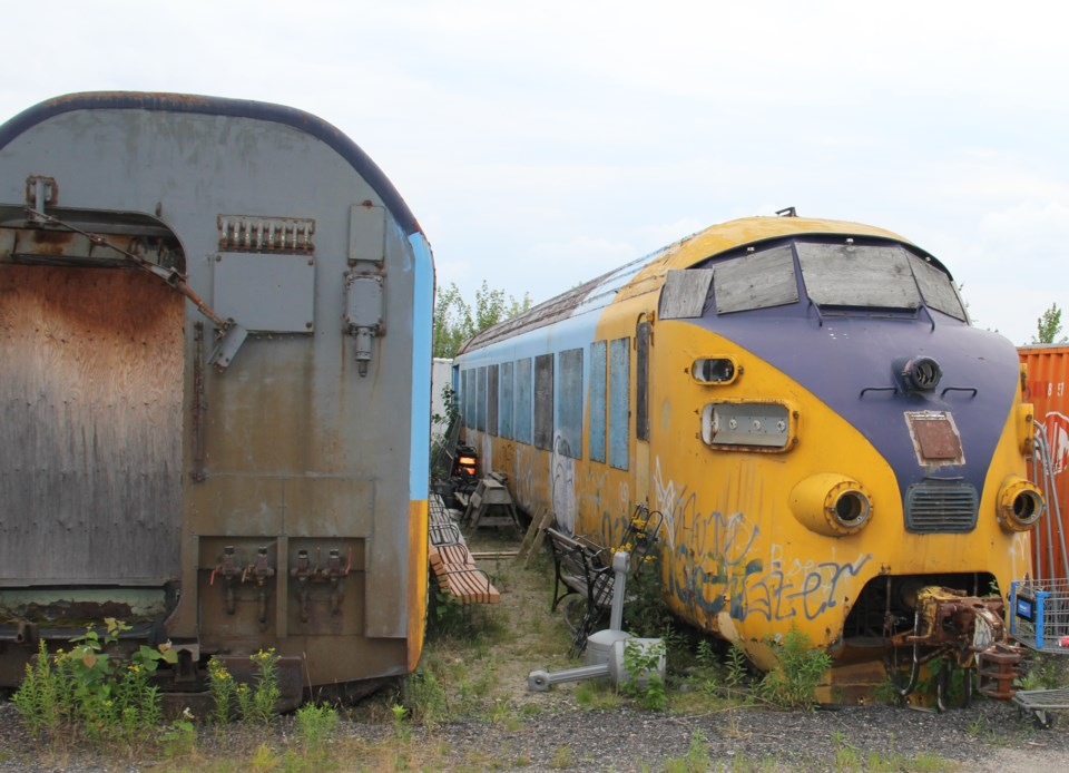 USED 170817 9 Old Northlander engine and rail car.  Photo by Brenda Turl for BayToday.