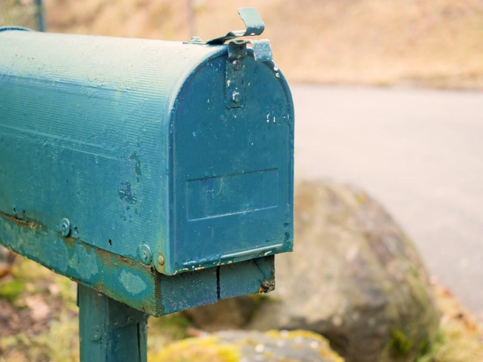 20180207 mailbox AdobeStock_165171927