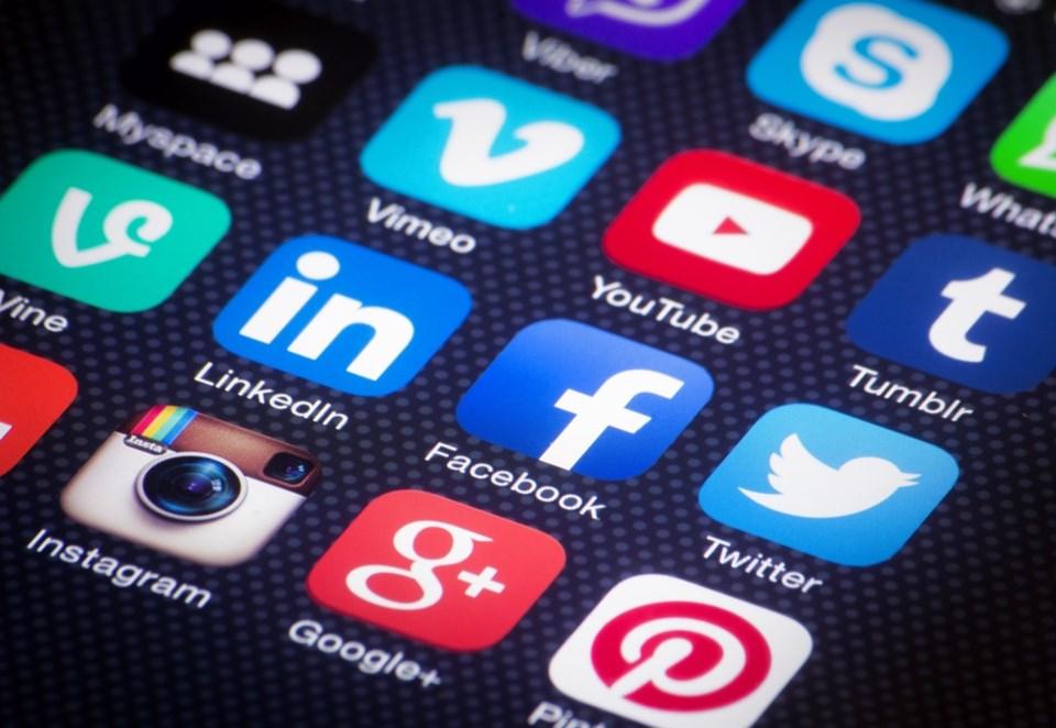 social media generic shutterstock_186292982 2016