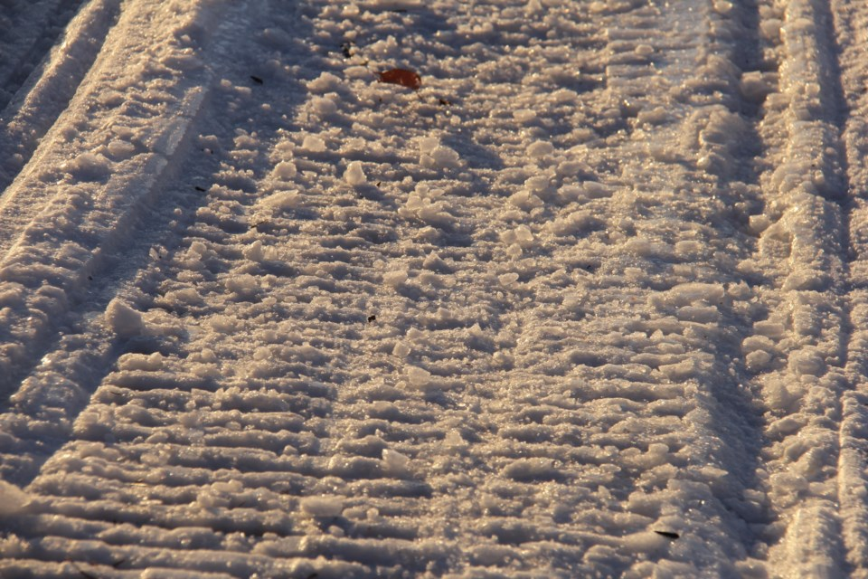20180129 snowmobile tracks generic turl