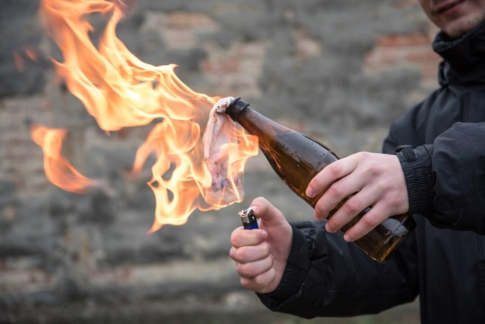 molotove cocktail