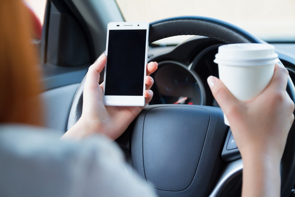 distracted driving shutterstock_311543942 2016