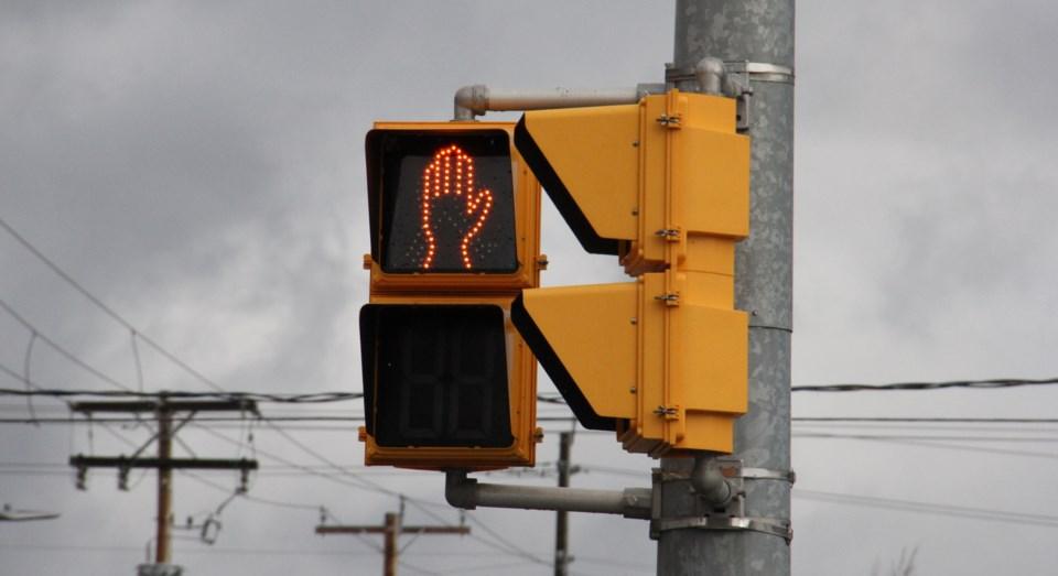 pedestrian crossing light stop turl 2016